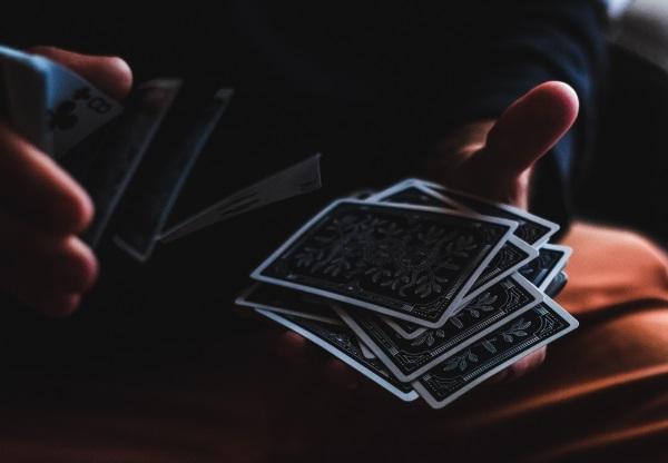 Alicia Collado y los orígenes del tarot