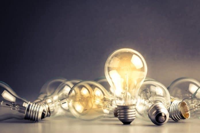 Cómo elegir la tarifa de luz más rentable con FC Energía